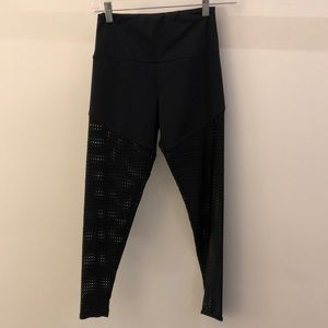Onzie Pants - Onzie perforated black legging, S/M, 68627